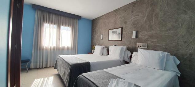 Triple quadruple room Hotel Les 7 Claus Andorra